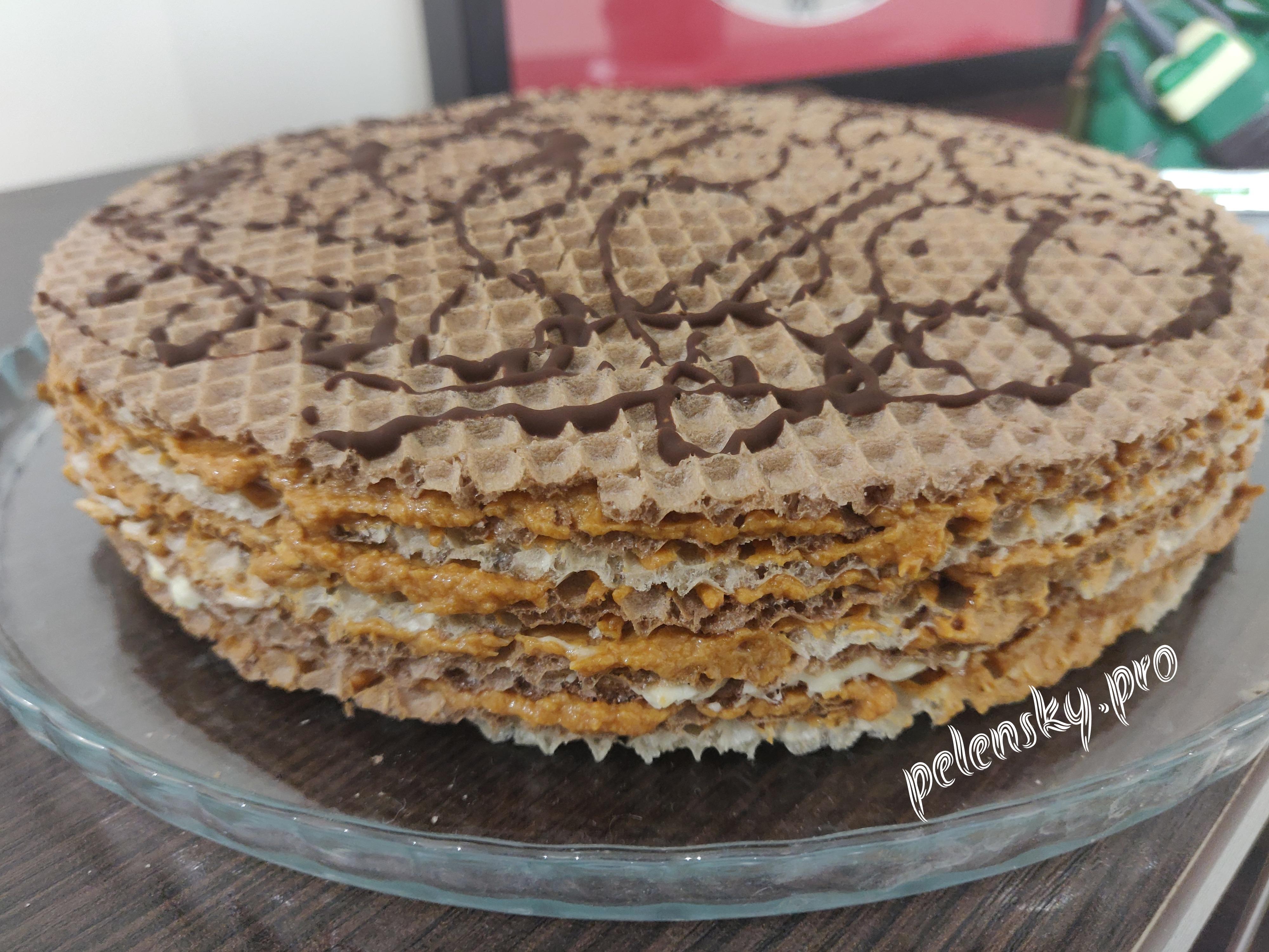 Вафельний торт з дитинства із ніжним кремом.