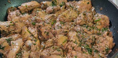 Рецепт курячої печінки, всі господині його шукають, ніжна і соковита.