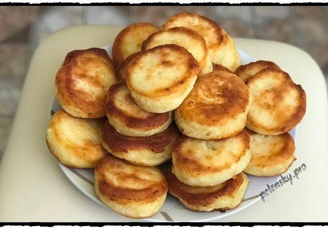 Пампушки з сиром. Пишні і повітряні пончики смажені в олії.