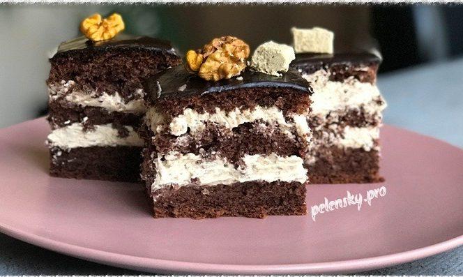 """Торт-пляцок """"Їжа богів"""" з ніжним халвовим кремом."""