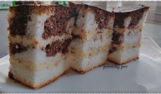 """Торт-пляцок з ніжним сирним кремом """"Хвиля""""."""