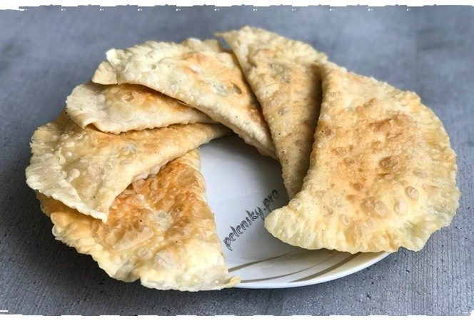 Чебуреки, рецепт тіста як в чебуречній, що не втягує олію.