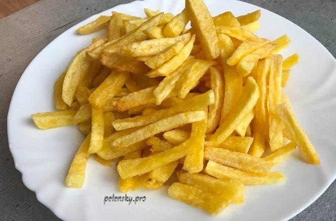 """Картопля фрі по-домашньому, як з """"Макдональдсу"""", секрети та поради."""