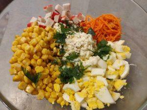 Салат з крабовими паличками і корейською морквою по новому