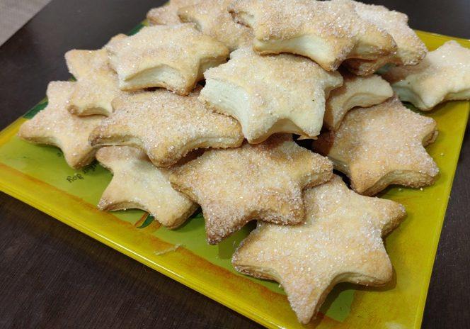 Смачне сметанне печиво швидкого приготування, таке як в садку.
