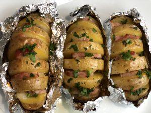 Картопля запечена гармошкою