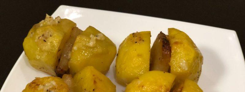 """Запечена картопля по """"Козацьки"""", м'яка з середини, хрумка з зовні."""
