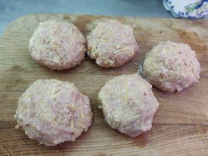 Тефтелі з м'ясом і картоплею