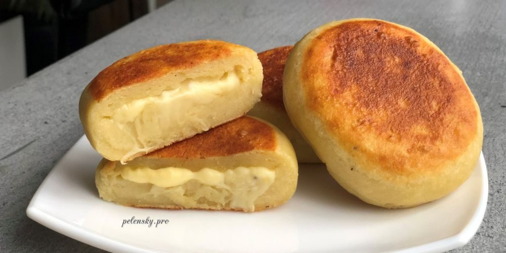 Пиріжки з картоплі на сковорідці. Швидка картопляна страва.