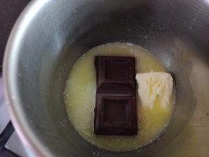 Помадка з шоколаду для пляцка і торта