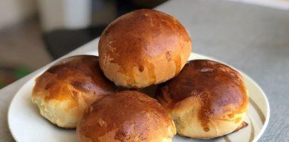 Домашні булочки на молоці, рецепт тіста, аромат стоїть на весь двір.
