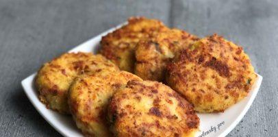 Картопляні биточки, рецепт смачної  страви з доступних продуктів.