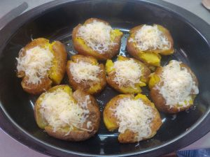 Відварена та запечена картопля