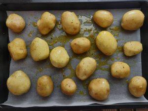 Молода картопля з м'ясом