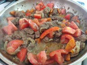 Яловича печінка з овочами