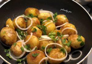 Молода картопля з часником