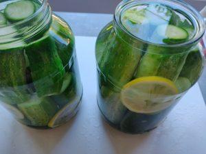 Солодкі огірки на зиму з лимонною кислотою