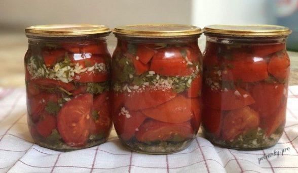 Рецепт маринованих помідорів половинками з часником на зиму.