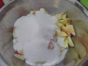 Варення з яблук із цукерками