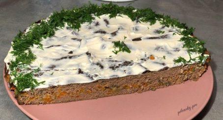 Печінковий торт в духовці. Виходить дуже соковитим і ніжним.
