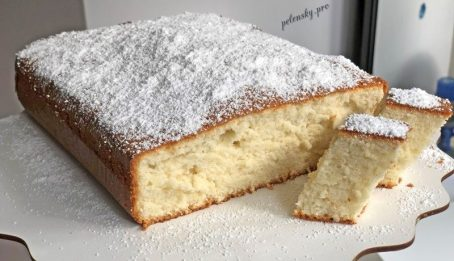 Молочний гарячий пиріг. Рецепт бісквіта на гарячому молоці.